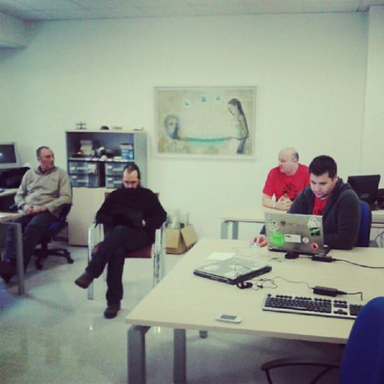 Detrás de los indicadores hay un equipo que día a día da apoyo al software libre