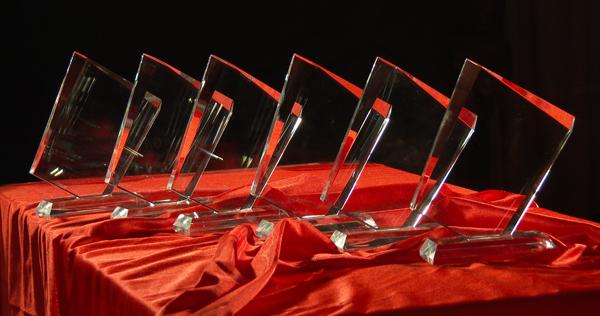 Trofeos para los ganadores de los premios portalprogramas al software libre